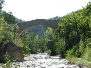 ... Brücke nach St.Symphorien...  © Sylvain05 GFDLvia Wikimedia